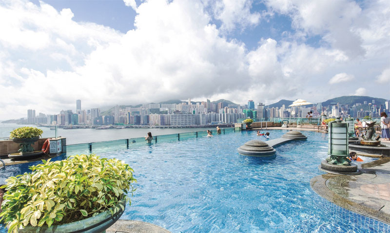 Harbour Grand Swimming pool©Harbour Grand Kowloon