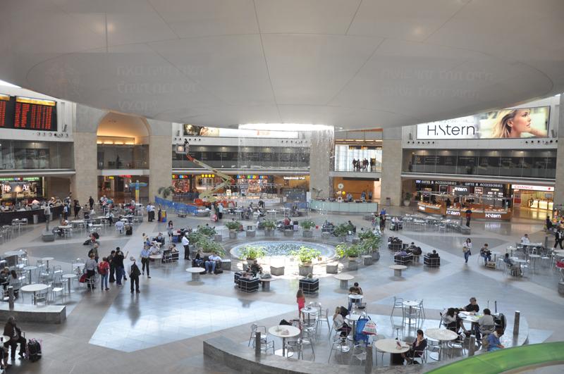 겉으론 평온하지만 , 세계 최고로 검색 이 엄격한 벤구리온 공항 ©Wikicommons