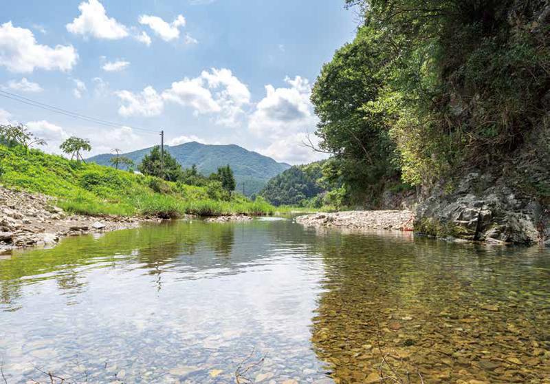 시원한 물이 퐁퐁 솟는 찬샘