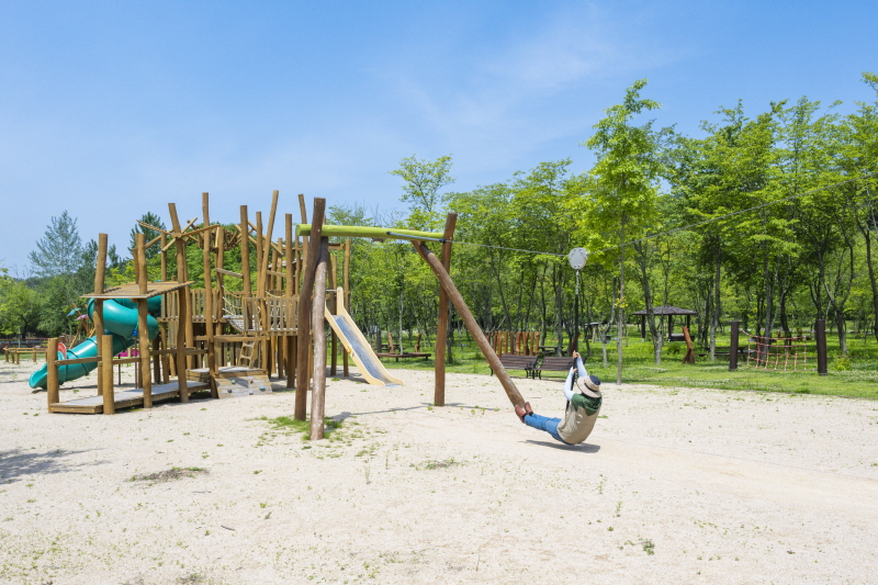 생태공원 놀이터